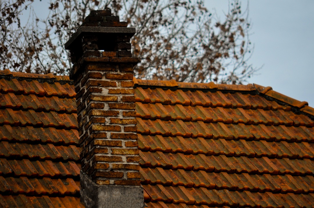 Colonial roof